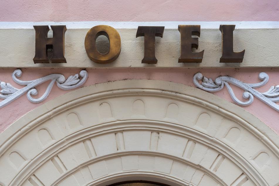 Das Romantik-Hotel in Pirna. Hotels und Pensionen dürfen erst ab einer anhaltenden Inzidenz von unter 50 wieder öffnen.