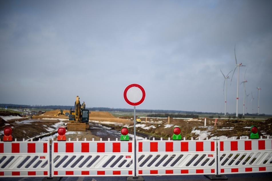 Das strenge Winterwetter der vergangenen Wochen hält den Bau der A14-Nordverlängerung aber nur kurz auf.