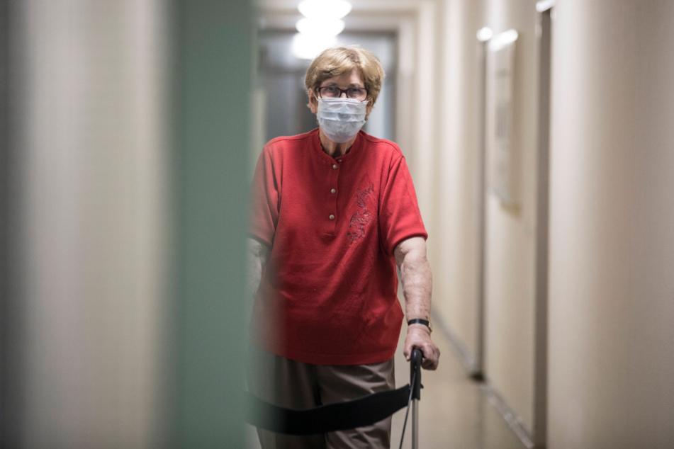 """""""Ausreichende Genauigkeit"""": Ein negativer Schnelltest könnte künftig die Eintrittskarte für einen Besuch in Alten- und Pflegeheimen sein."""