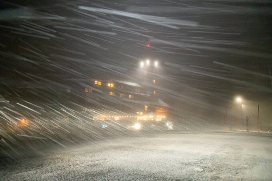 Chemnitz: Hendrik sorgt für Schneesturm auf Fichtelberg, auch am Freitag bleibt es stürmisch