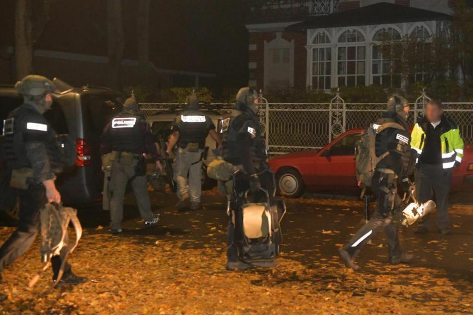In der Nacht zum Samstag wurde das SEK zu einem Familienstreit in Berlin-Reinickendorf gerufen.