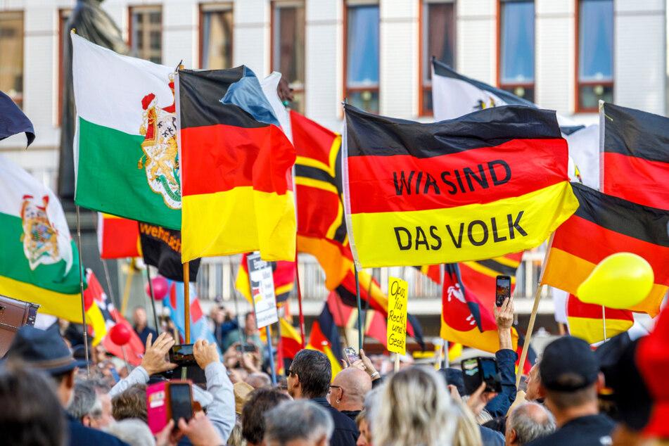Im Oktober 2019 feierte die Pegida-Bewegung auf dem Dresdner Neumarkt ihr fünfjähriges Bestehen. Sachsens Hauptstadt hat unter Rechtsextremen einen Sonderstatus.