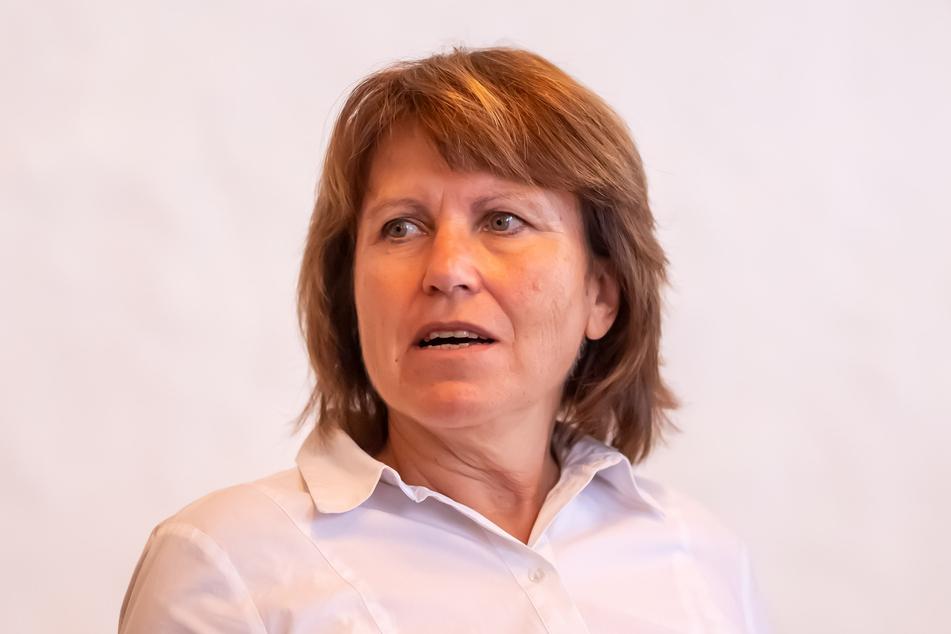 Muss wegen einer Schweden-Reise in Corona-Quarantäne: Zwickaus Oberbürgermeisterin Pia Findeiß (64, SPD).