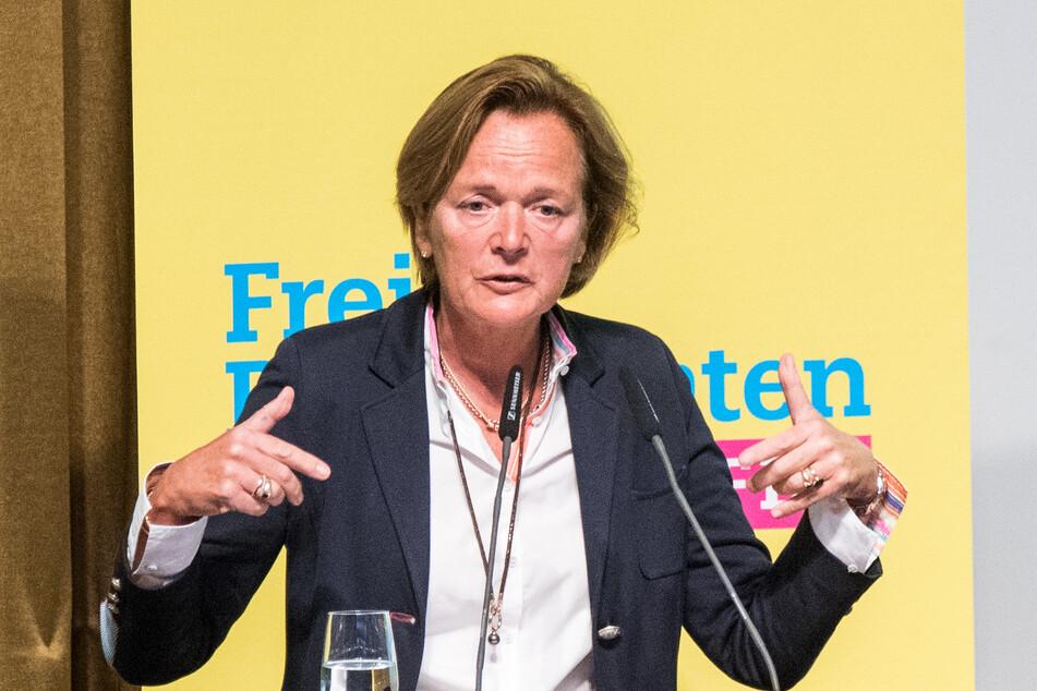 Anna von Treuenfels-Frowein (58, FDP) spricht beim Landesparteitag.