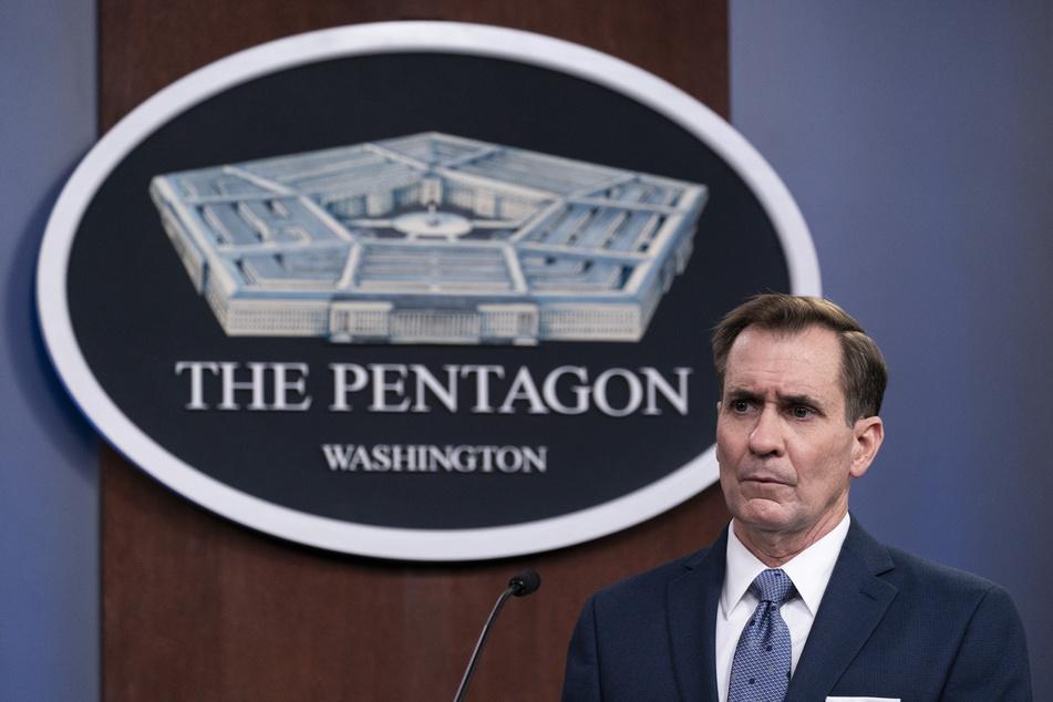 John Kirby (57), Sprecher des Pentagons, verteidigt den Vergeltungsschlag der USA.