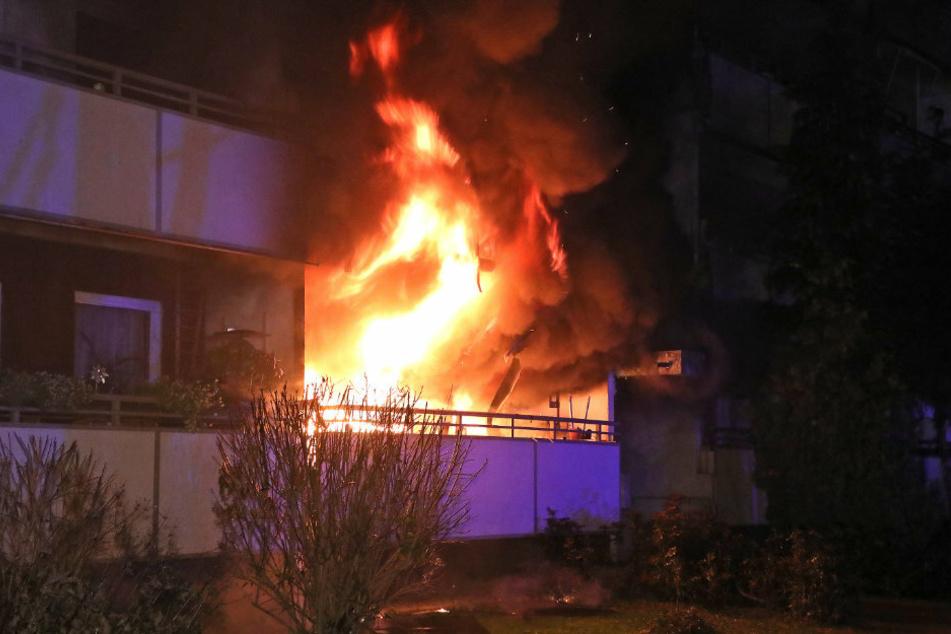 Am 18.12. stand ein Wohngebäude auf der Sanddornstraße in Dresden-Omsewitz in Flammen. 25 Menschen wurden evakuiert.