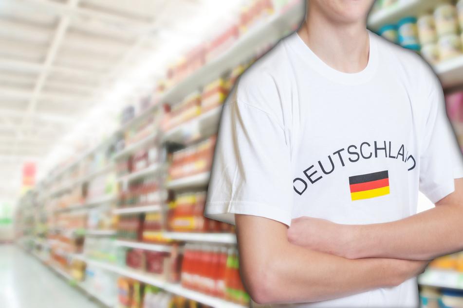 Nackte EM-Vorfreude: Mann (24) spaziert mit Deutschlandtrikot in Supermärkte - doch etwas Wichtiges fehlt