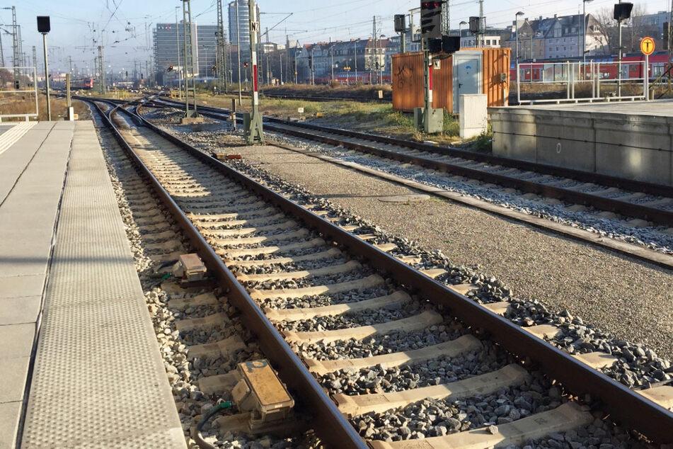 Flüchtlinge nach illegaler Einreise mit Güterzug festgenommen