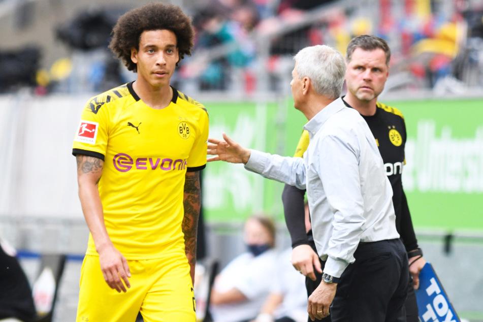 Axel Witsel (l.) lobt die Arbeit seines Trainers Lucien Favre (M.).