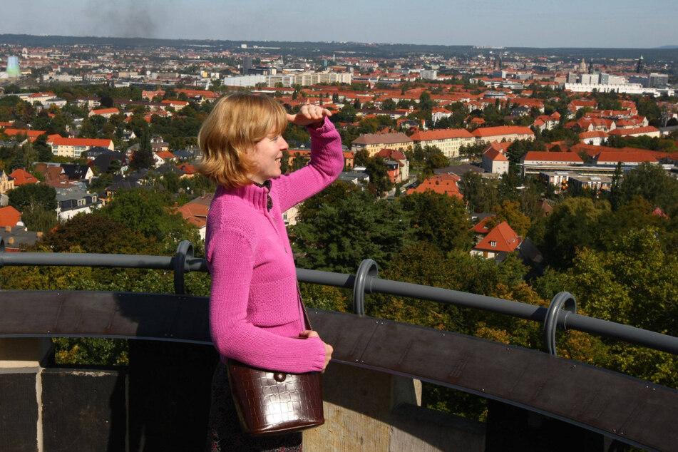 Vom Fichteturm habt Ihr einen herrlichen Blick auf Dresden.