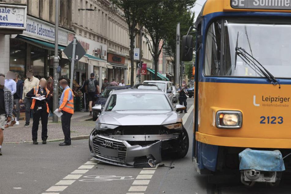 Weder der Insasse des Autos noch Tram-Reisende wurden beim Unfall auf der Leipziger Eisenbahnstraße verletzt.
