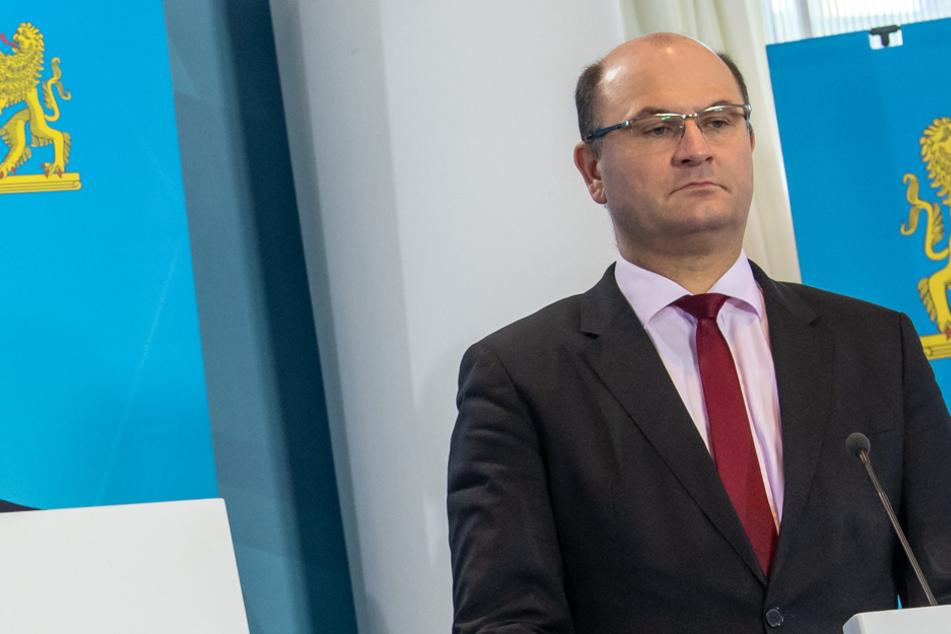 Finanzminister Albert Füracker (53, CSU) spricht von einem guten Signal für die bayerischen Unternehmen. (Archiv)