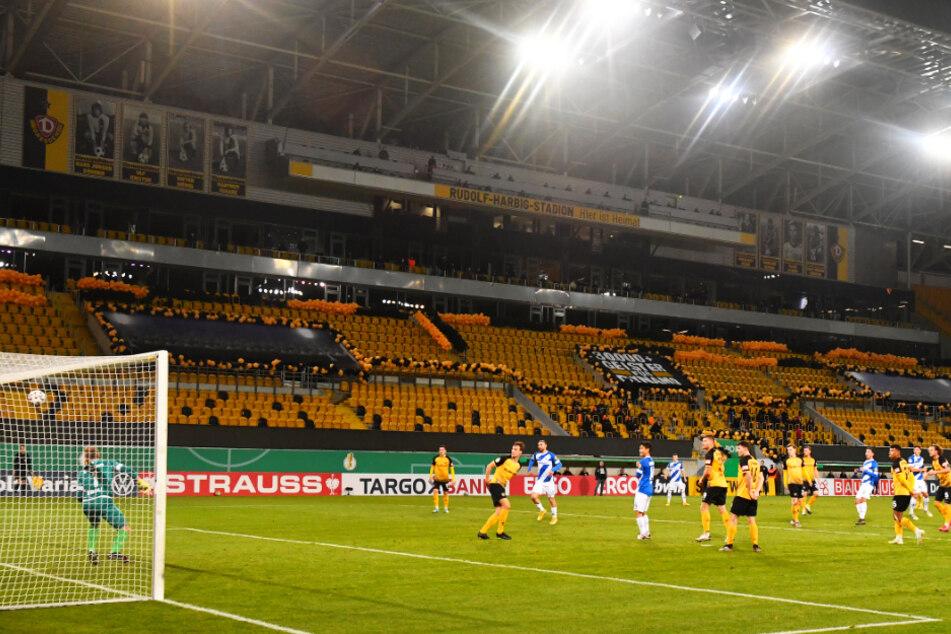 Der Anfang vom Pokalende für Dynamo: Fabian Schnellhardt trifft zum 1:0 für die Lilien.