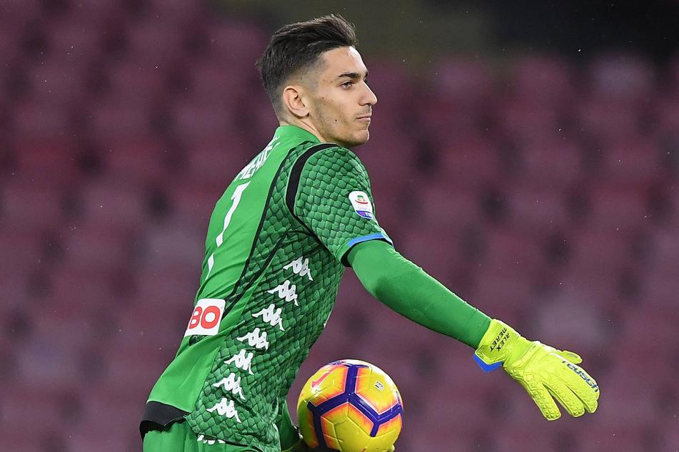 Torhüter wie Alex Meret (24, SSC Neapel) dürfen weiterhin ein grünes Trikot tragen, nicht aber Feldspieler der Serie A.