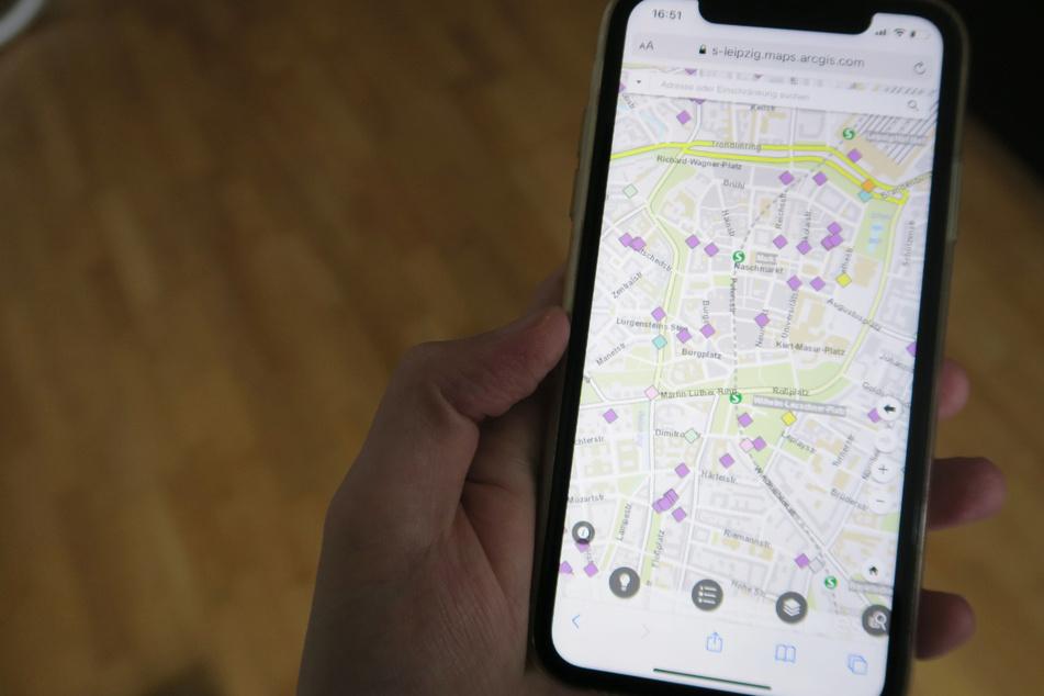 Besonders hilfreich: Die Karte lässt sich auch übers Smartphone und somit unterwegs abrufen und bedienen.
