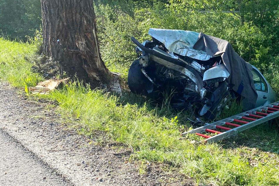 Ein erst 19 Jahre alter Fahranfänger ist nahe Bad Windsheim in Bayern bei einem schweren Unfall ums Leben gekommen.