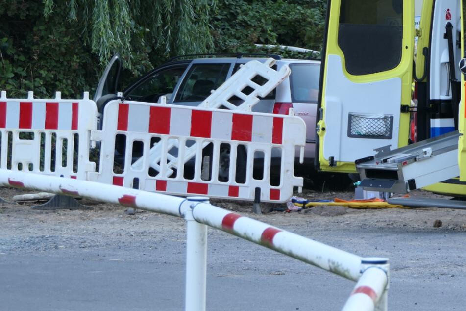 Bei Leipzig: Autofahrerin erfasst Wasserversorger-Mitarbeiter (24)