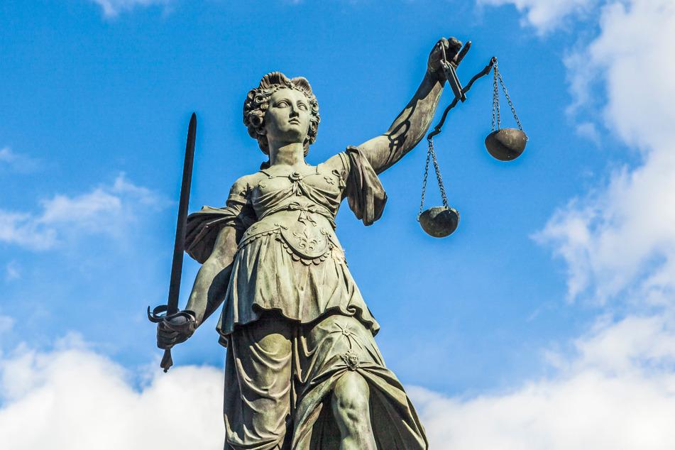 Vor Gericht landen manchmal sehr ungewöhnliche Fälle: Selbst angeblich Tote klagen nun, dass sie eigentlich noch leben. (Symbolbild)