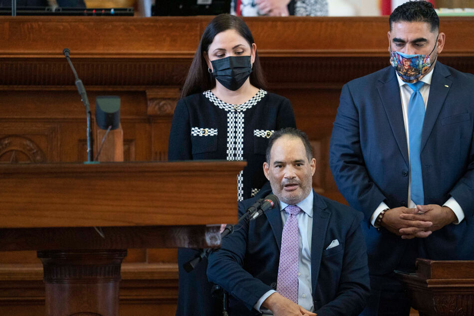 Three Texas Democrats return to Austin, effectively ending walkout over restrictive voting bill