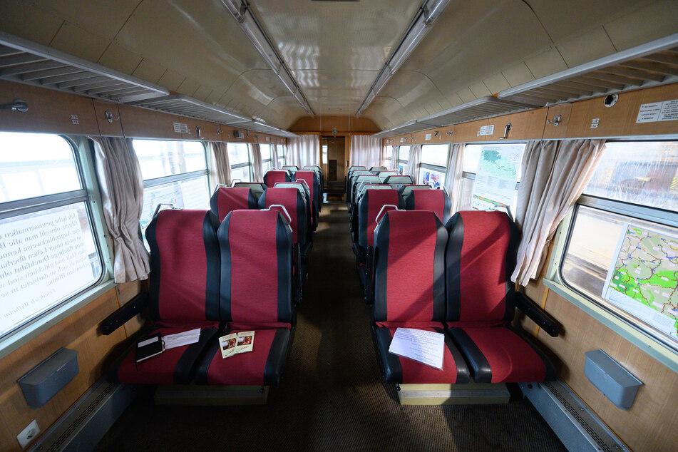 Bitte alles einsteigen: ein Großraumabteil des DDR-Nobelzugs.
