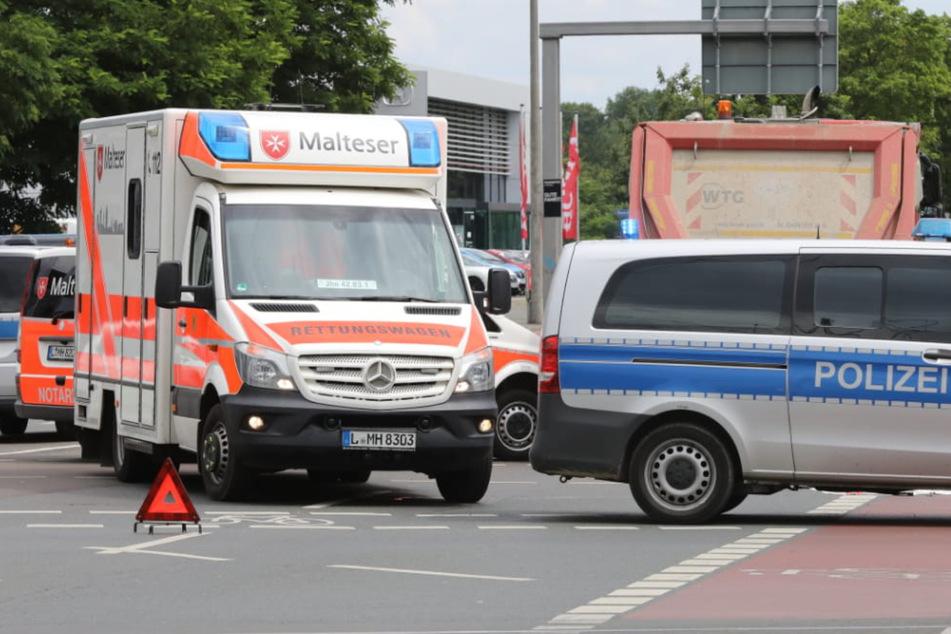 Tödlicher Unfall in Leipzig: Lastwagen stößt mit Fahrradfahrerin zusammen
