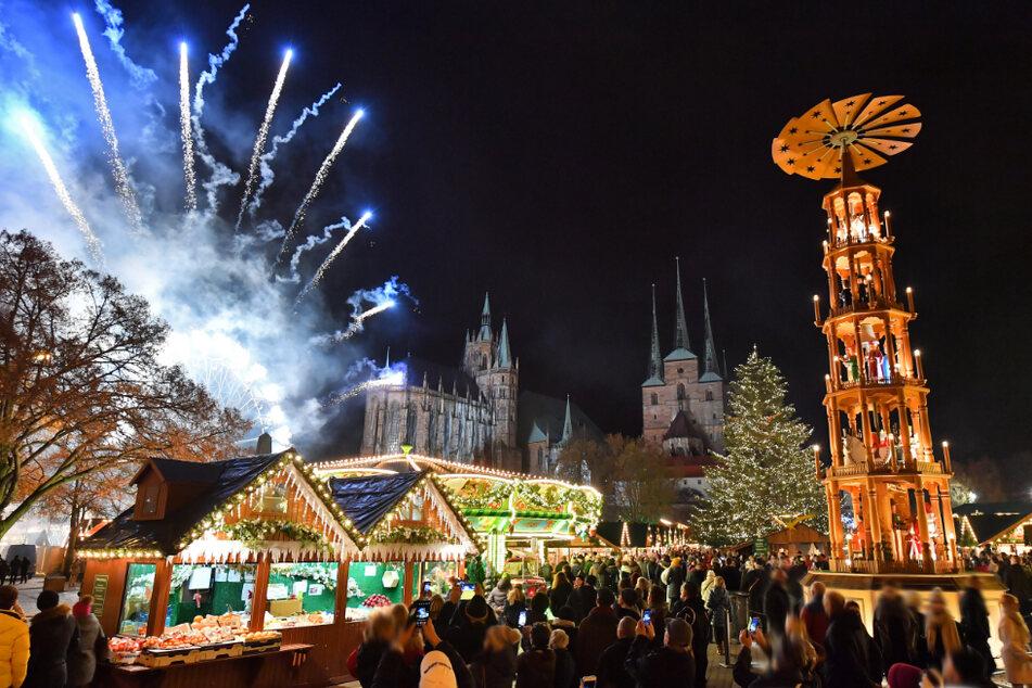 Der Erfurter Weihnachtsmarkt lockt jährlich um die zwei Millionen Gäste an.