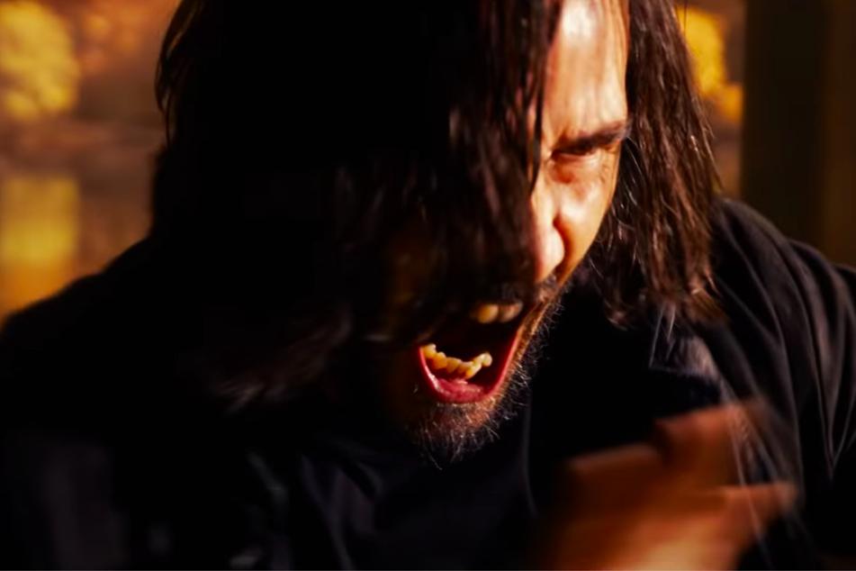 """Keanu Reeves (57) verkörpert in """"Matrix Resurrections"""" wieder seine legendäre Figur Neo."""