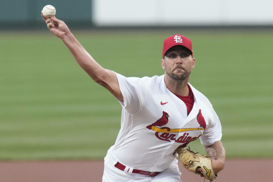 MLB: The Cards beat their bitter rivals at home, outlasting the Cubs in an extra innings delight