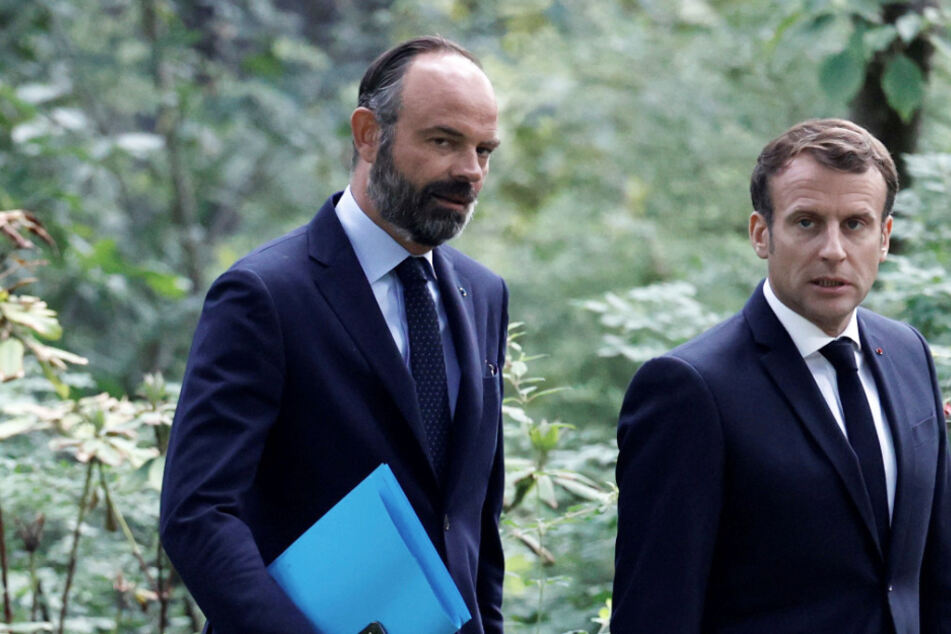 Emmanuel Macron (r), Präsident von Frankreich, und Edouard Philippe, Ex-Premierminister von Frankreich.