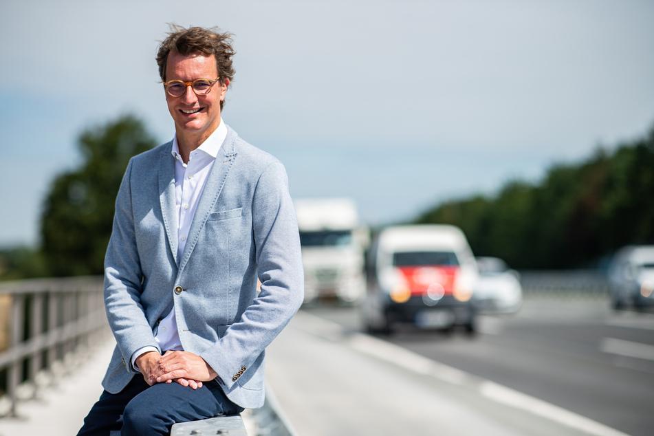 Verkehrsminister Hendrik Wüst (45, CDU) gilt ebenfalls als möglicher Nachfolger in NRW.
