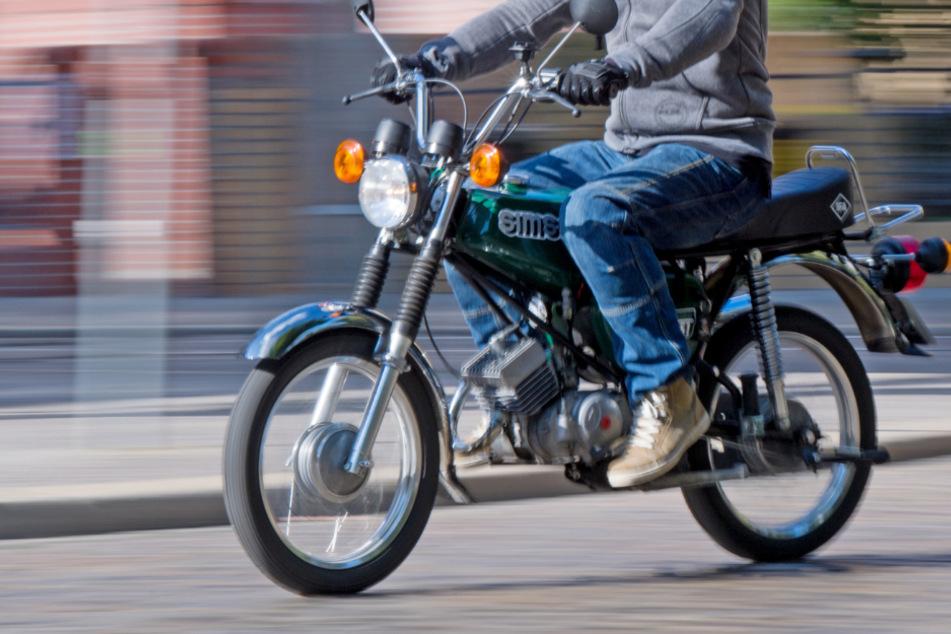 Mit 100 km/h! Mopedfahrer (16) liefert sich Verfolgungsjagd mit der Polizei!