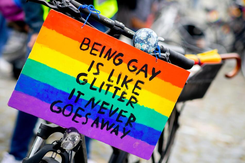 Nach der Absage der UEFA kündigte der Lesben- und Schwulenverband (LSVD) Protestaktionen vor der Münchner Arena an. (Symbolbild)