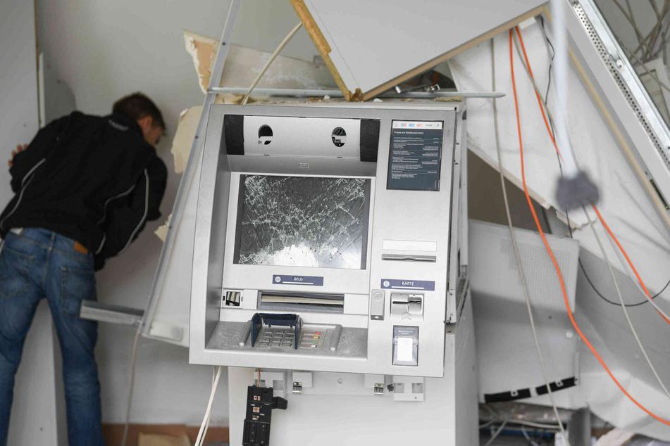Ein Geldautomat wurde gesprengt. (Symbolbild)