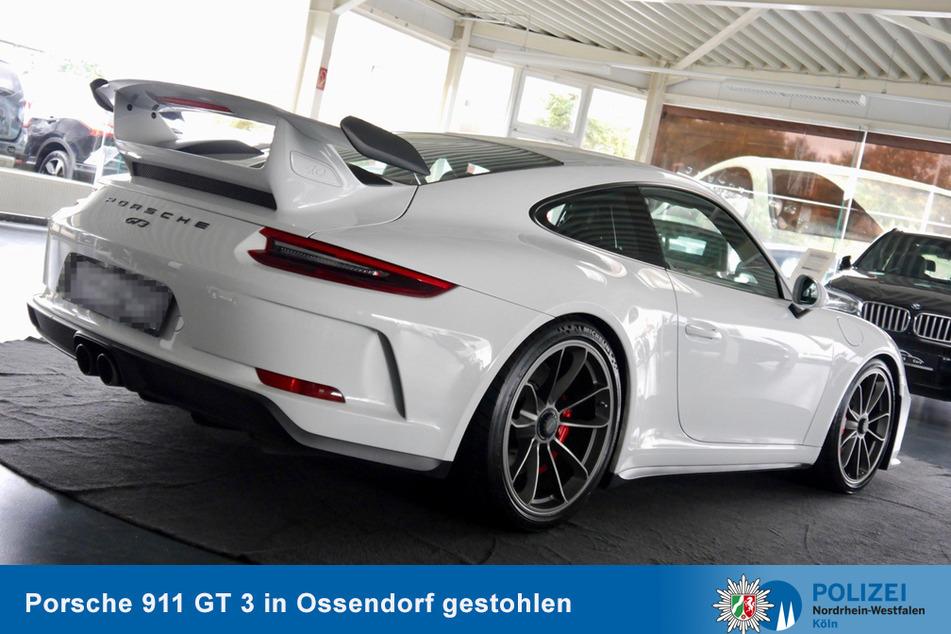 Am frühen Montagmorgen ist in Köln-Ossendorf ein Porsche 911 GT 3 gestohlen worden.