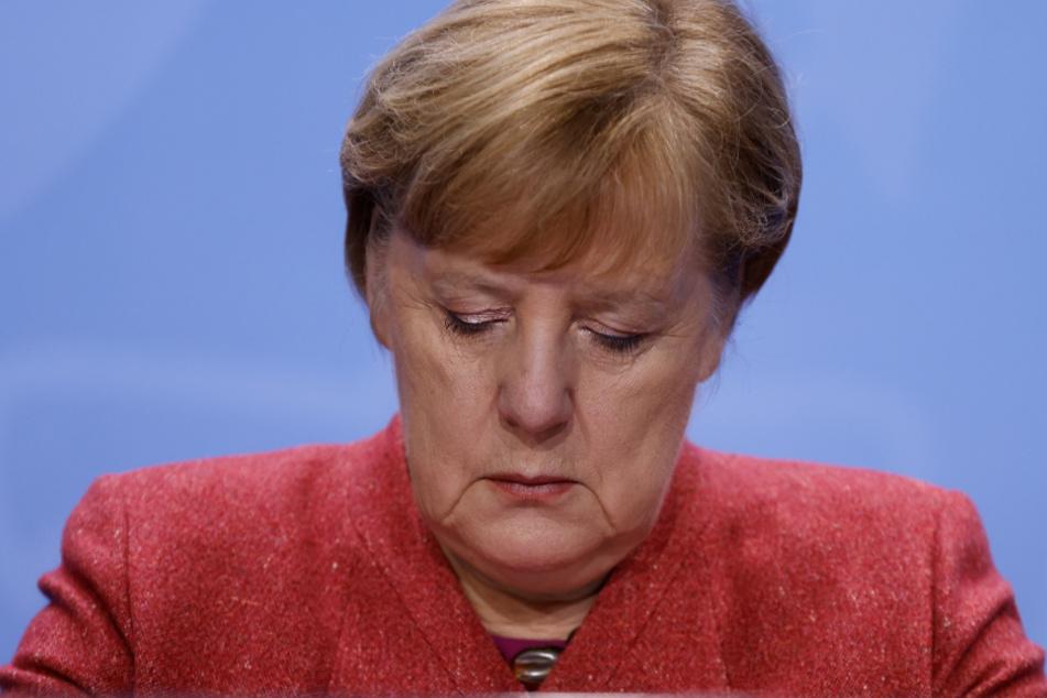 Merkel am Montagabend bei der PK.