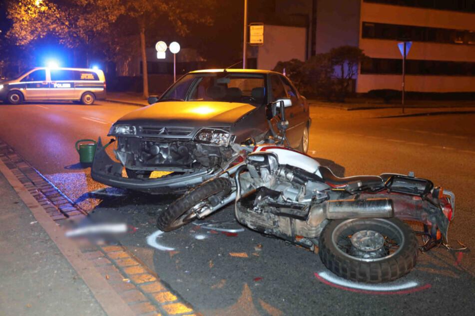 Unfall am Käthe-Kollwitz-Ufer: Citroen nimmt Motorrad die Vorfahrt