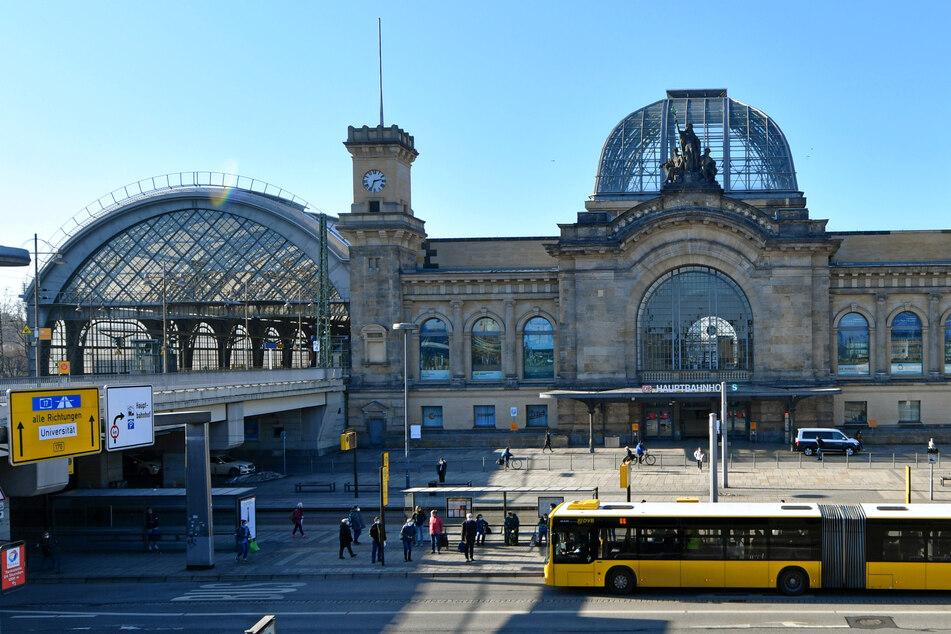 19-Jähriger schlägt Alarm und legt damit den Dresdner Hauptbahnhof lahm
