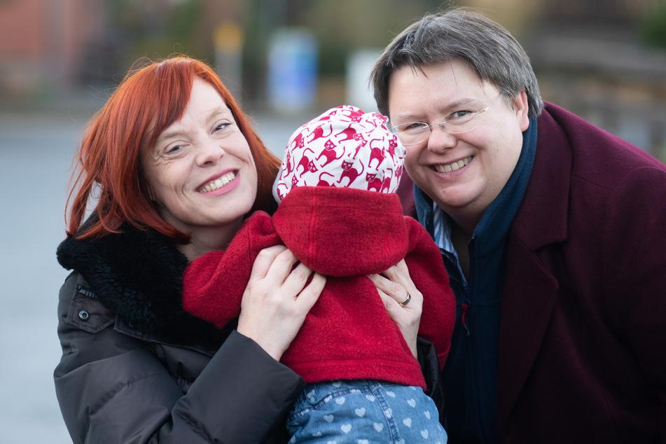 Gesa Teichert-Akkermann (l.) und Verena Akkermann mit ihrer Tochter Paula (11 Monate alt).