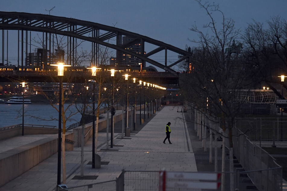 Kölner Krisenstab beschließt: Ausgangssperre gilt weiter ab 21 Uhr