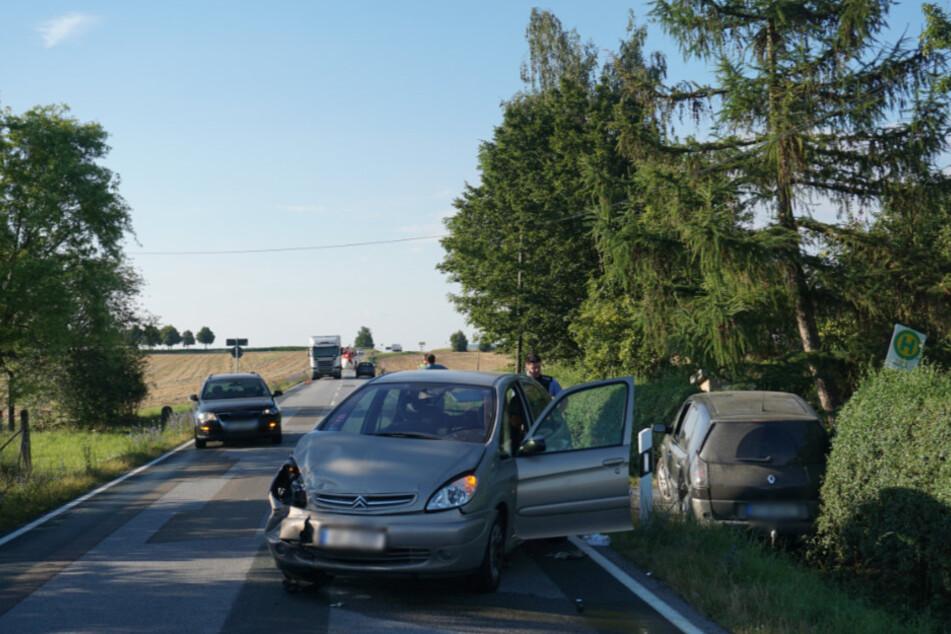 Die drei in den Unfall verwickelten Fahrzeuge auf der S112.