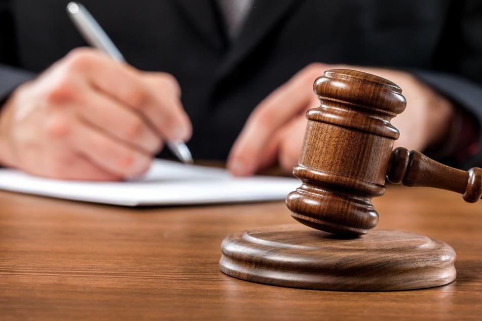 Mann wegen Unterschlagung von 3100 Jahre altem Schatz angeklagt