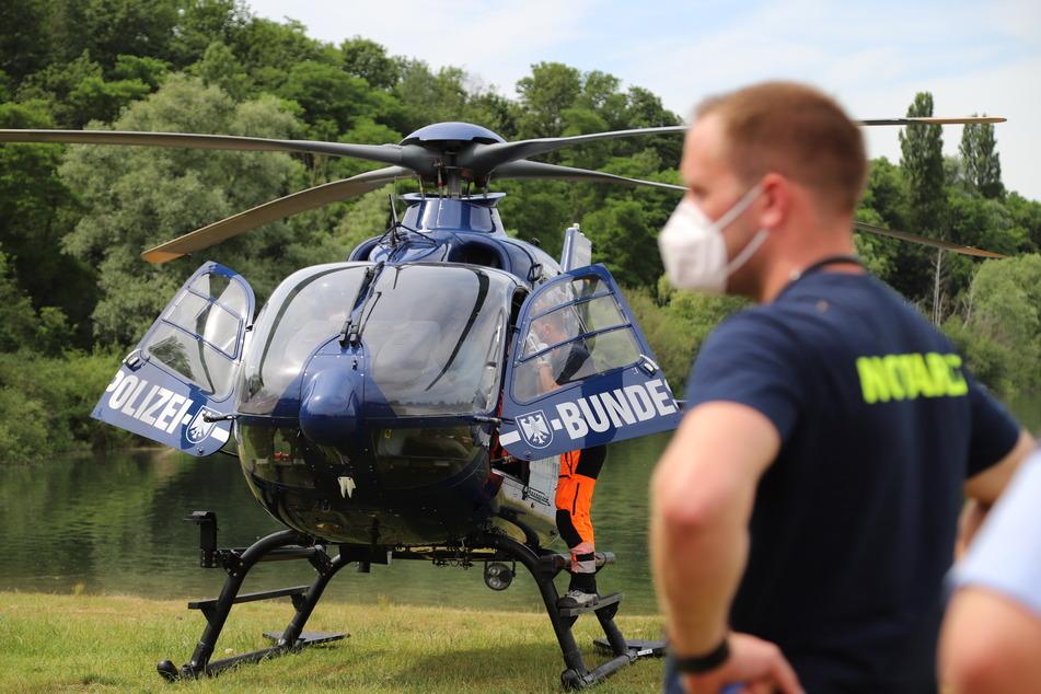 Nach dem Badeunfall am Samstagnachmittag im Fühlinger See ist der Mann mit einem Rettungshubschrauber in eine Klinik gebracht worden.