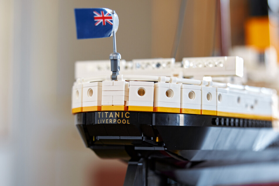The Titanic model has numerous small and realistic details.