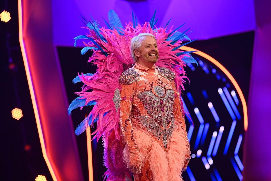 """Ross Antony (46) landete als Flamingo verkleidet auf Platz 3 von """"The Masked Singer""""."""