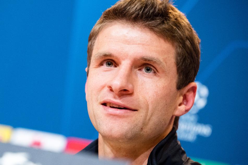 Thomas Müller (31) hat mit seiner Antwort zum Abschied von Jérôme Boateng (32) angesichts der Lage beim FC Bayern München für Lacher gesorgt.