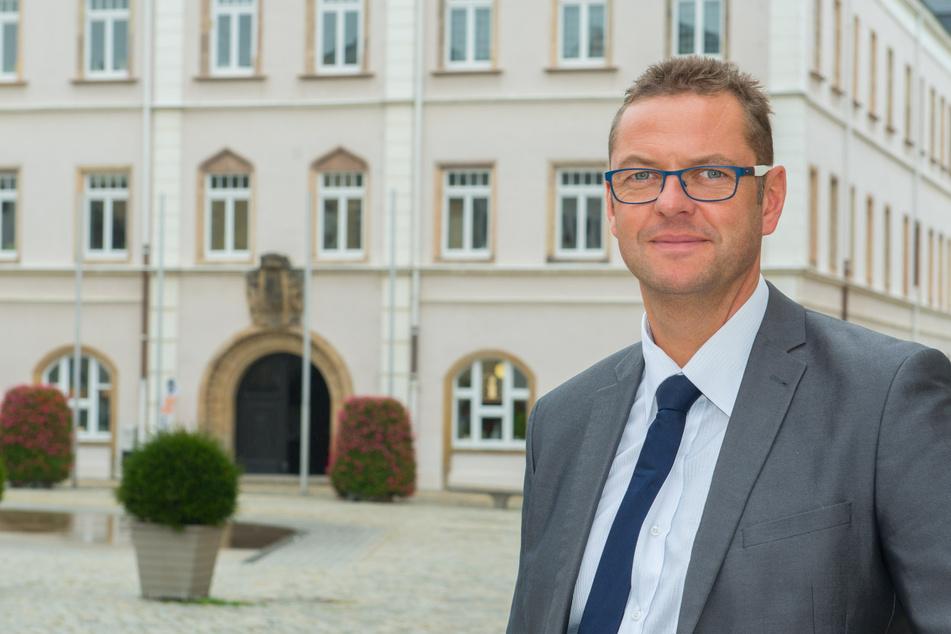 Schneebergs Bürgermeister Ingo Seifert (49, Freie Wähler) bat dassächsische Innenministerium um Hilfe. Viele Asylbewerber würden sich nicht an das Kontaktverbot halten (Archivbild).