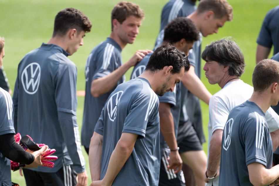 Auf wen kann Joachim Löw (im weißen Shirt) im Achtelfinale gegen England bauen?
