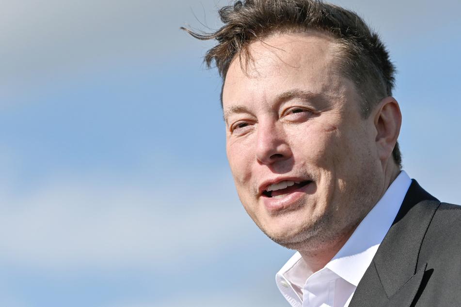 Tesla-Chef Elon Musk zurück in Deutschland!