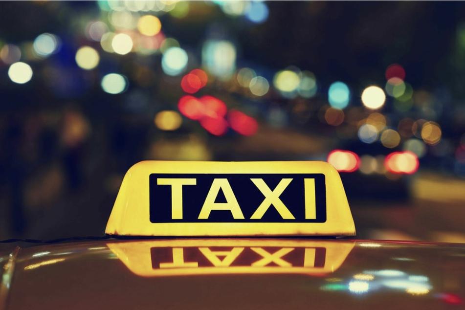 An jedem Taxi sind Notlichter angebracht: Ist der Fahrer in einer Notsituation, kann er diese einschalten, ohne dass seine Insassen es bemerken. (Symbolbild)