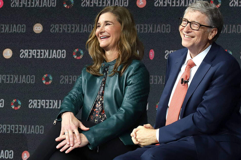 Melinda (l.) and Bill Gates announced their separation after 27 years of marriage in a joint statement on Twitter.